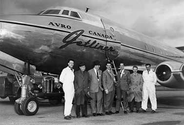 Here is a picture of the only prototype of the Avro Jetliner, in the early 1950s. In 1951, the federal government decided to stop the program and concentrate on the development of a military airplane, the Avro Canada CF-100. (Museum of Aviation and Space in Canada)