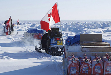 Canadian soldiers on patrol during a military operation in Nunavut, in 2007. (Dianne Whelan/Canadian Press)