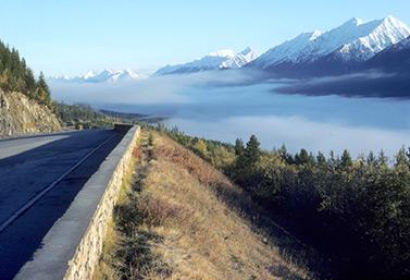 Sur l'autoroute 93, au sud du parc national de Kootenay, en Colombie-Britannique (Parcs Canada)