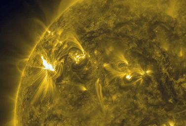 Vue rapprochée du Soleil et de l'activité solaire (NASA/SDO)