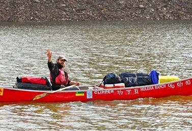 Le Fransaskois Dominique Liboiron a effectué en 2012 un voyage de 5000 km en canot, de la Saskatchewan à La Nouvelle-Orléans. (canoetoneworleans.com)