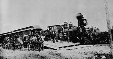 Premier voyage d'un train du Canadien Pacifique sur la voie transcanadienne, le 30 juin 1886 (Bibliothèque et Archives Canada)