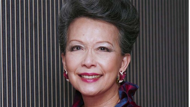 Vivienne Poy: Passage to Promise Land- voices of Chinese immigrant women to Canada
