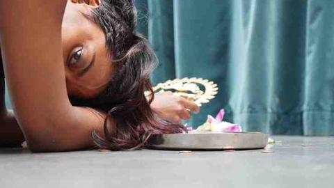 Portrait de la danseuse et cinéaste Meena Murugesan