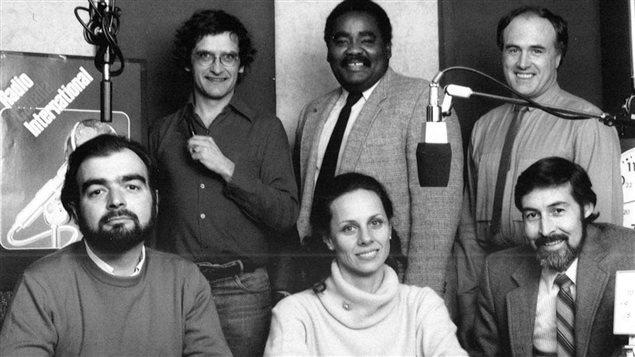 Robert Gagnon et l'équipe du Service Antilles de RCI. Rangée du haut, de gauche à droite: Pierre Lamarche, Ousseynou Diop, Robert Gagnon. Rangée du bas: Ricardo Garcia, Françoise Borel et Hector Moreno.