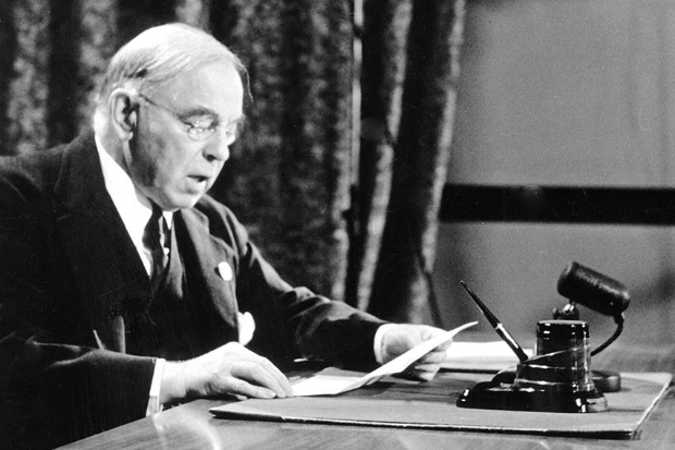 Hon. W.L. Mackenzie King, premier ministre du Canada durant la Deuxième guerre mondiale. (CBC Still Photo Collection)