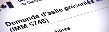 "part of a form with the words ""demande d'asile présentée"""