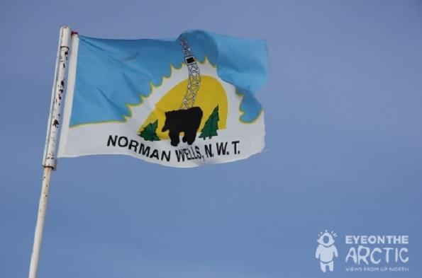 La ville de Norman Wells dans les TNO, tout près du site de forage de MGM Energy. (Eilís Quinn, Radio Canada International)
