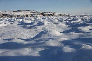 Au total, la revendication du Canada couvre 1,2 million de kilomètres carrés d'océan, un territoire grand comme les provinces de l'Alberta et de la Saskatchewan réunies. (Regard sur l'Arctique)