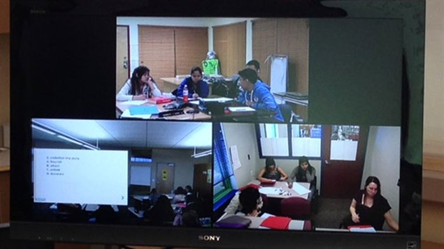 L'école via téléconférence et vidéo à Tuktoyaktuk et Fort McPherson dans les Territoires du Nord-Ouest. (Chris Gilmour)