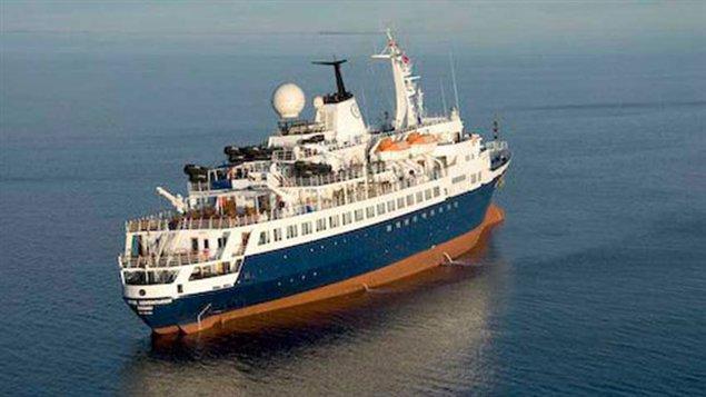 MV Clipper en 2010 au Nunavut (La Presse canadienne)