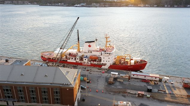L'Amundsen est de retour dans le port de Québec depuis dimanche. (Radio-Canada.ca)