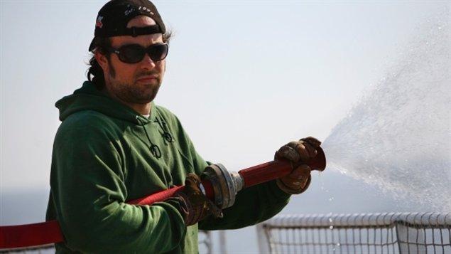 Alexandre Paul, de Montréal, était à bord du Arctic Sunrise lors de son arraisonnement par la garde côtière russe. Il est détenu en Russie et a été accusé de piraterie.  (Jiri Rezac/Greenpeace)