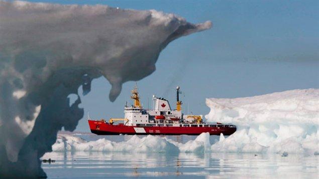 Navire de la Garde côtière du Canada en Arctique (Radio-Canada)