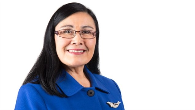 Rassi Nashalik, cheffe d'antenne de l'émission d'information Igalaaq. (CBC.ca)