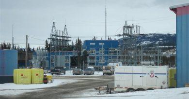 Une centrale-électrique d'Énergie Yukon. (Christian Molgat/Radio-Canada)