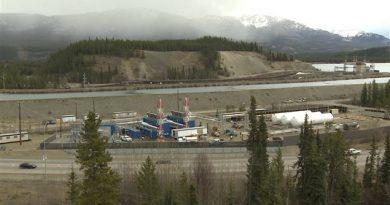 L'usine de conversion de gaz naturel de Énergie Yukon est située en bordure du centre-ville de Whitehorse. (Radio-Canada)