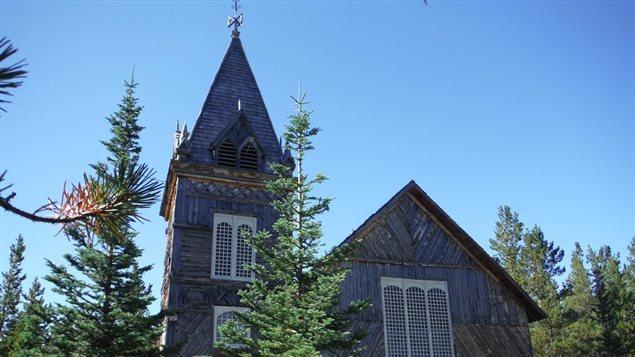 Le toit de l'église St. Andrews à Bennett le long de la piste Chilkoot sera remplacé. (Philippe Morin/ ICI Radio-Canada)