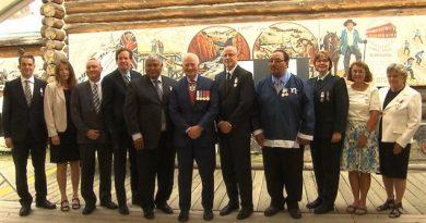 De nombreux scientifiques parmis les dix premiers récipiendaires de la Médaille polaire du Gouverneur général. (Claudiane Samson/ ICI Radio-Canada/)