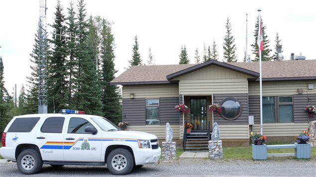 La station de la Gendarmerie royale du Canada à Beaver Creek.  (Cheryl Kawaja/ ICI Radio-Canada)