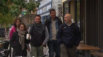 Des représentants d'organisateurs de voyage de France participent à un tour de familiarisation au Yukon. (Claudiane Samson/ICI Radio-Canada)