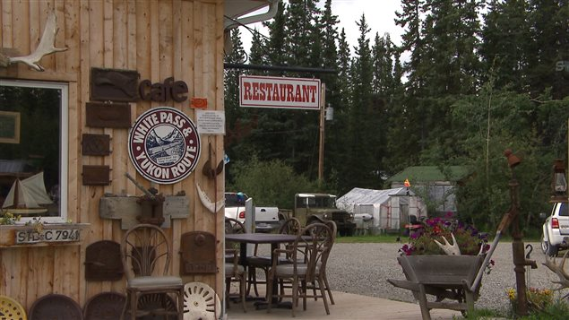 Certains restaurateurs en milieu rural trouvent les exigences des autorités sanitaires mal adaptées aux réalités de leur milieu. (Claudiane Samson/ ICI Radio-Canada/)