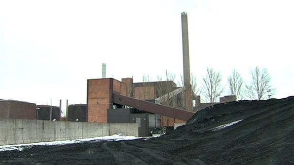Hanasaari's coal heaps could be on their way out. (Yle)