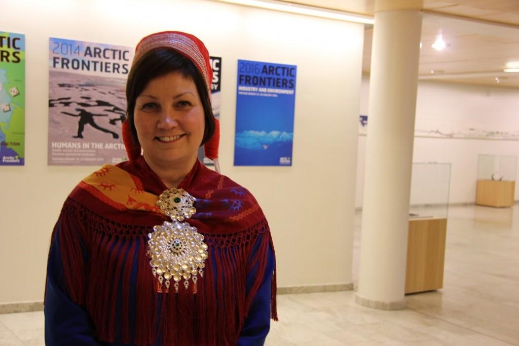 Les ministres et les politiciens étrangers à Arctic Frontiers ont souligné l'importance du respect des peuples autochtones dans le Nord lundi, mais Aili Keskitalo, présidente du Parlement lapon de Norvège (photo ci-dessus) a dit à Regard sur l'Arctique qu'ils avaient besoin de «faire ce qu'ils disent» et ne pas seulement «parler pour parler.» (Eilis Quinn / Regard sur l'Arctique)