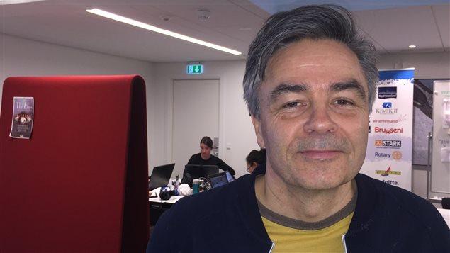 Anders Stenbakken, PDG de Visit Greenland, l'organisation touristique publique, a voulu utiliser les Jeux de l'Arctique comme un moyen de promotion pour la destination et la société groenlandaises. (Claudiane Samson/ ICI Radio-Canada)