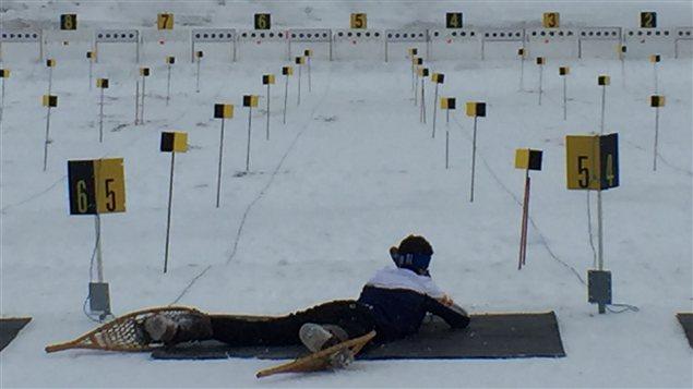 L'équipe de biathlon en raquette de l'Alaska compte quatre athlètes de deux villages. Les autres habitent la ville. Photo : Claudiane Samson/ICI Radio-Canada