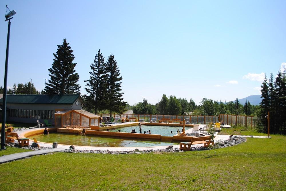 Les sources d'eau thermales de Takhini au Yukon. PHOTO : TAKHINIHOTSPRINGS.COM