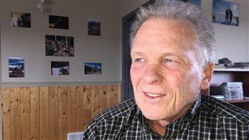 Gary Vivian est le président de l'entreprise Aurora Geoscience. PHOTO : CLAUDIANE SAMSON/ICI RADIO-CANADA