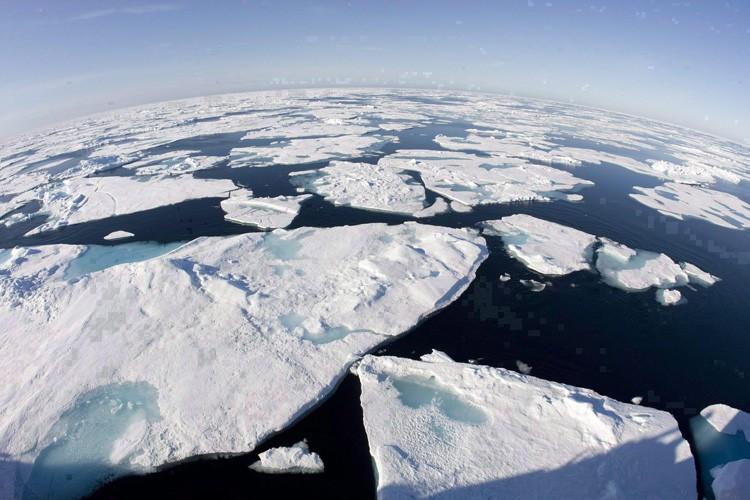 Un avis émis par une organisation d'aviation internationale prévient que des débris d'un tir de roquette russe devraient tomber dans la baie de Baffin samedi. (PC)
