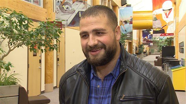 Tareef Jaamour souhaite entreprendre des études de commerce et d'administration au Collège du Yukon. (WAYNE VALLEVAND/RADIO-CANADA)