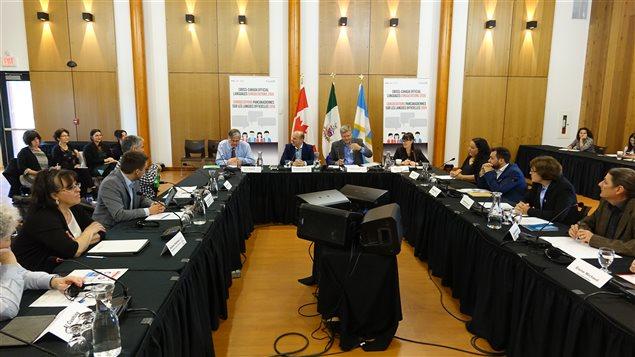La consultation sur les langues officielles au Yukon est la 17e d'une série de 20 rencontres de Patrimoine canadien à travers le pays. (CLAUDIANE SAMSON / RADIO-CANADA)