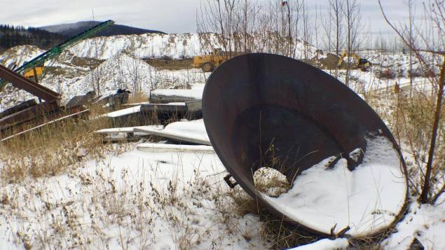 Le claim minier de Darrell Carey à Dawson City. (Julie Landry/Radio-Canada)