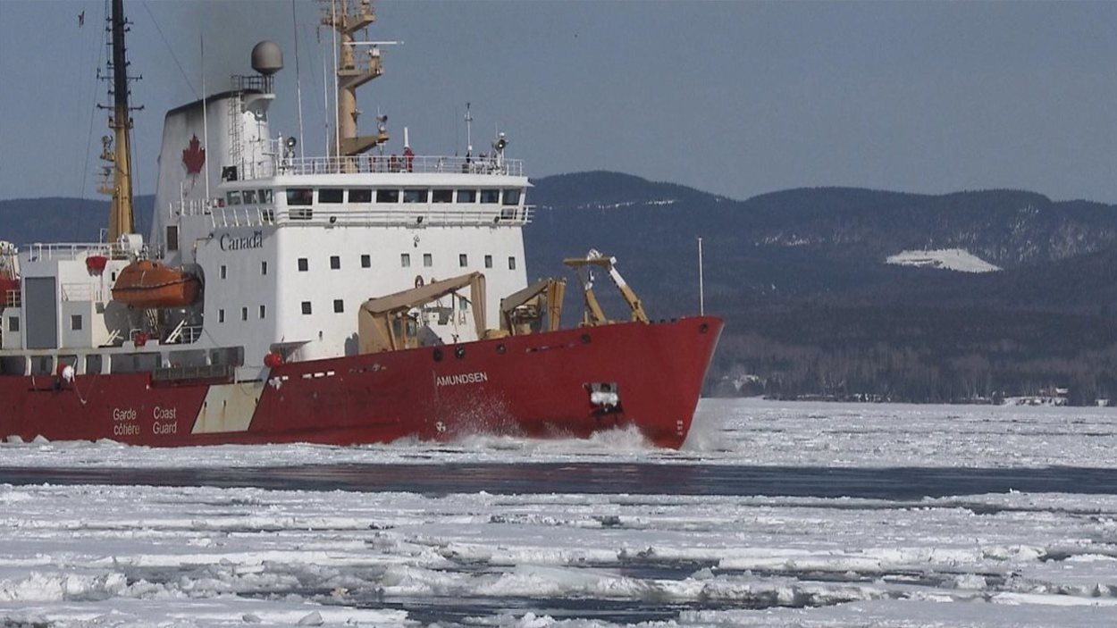 brise-glace-amundsen