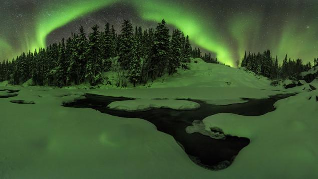 photographe-parcourt-3800-km-en-quatre-jours-pour-aurores-boreales-1