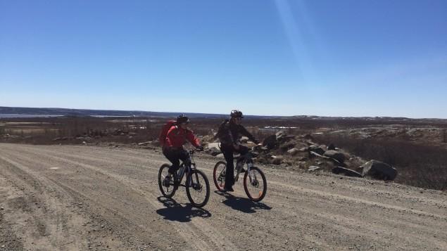 faire-decouvrir-le-territoire-aux-jeunes-inuits-pour-les-motiver-a-rester-a-lecole-1