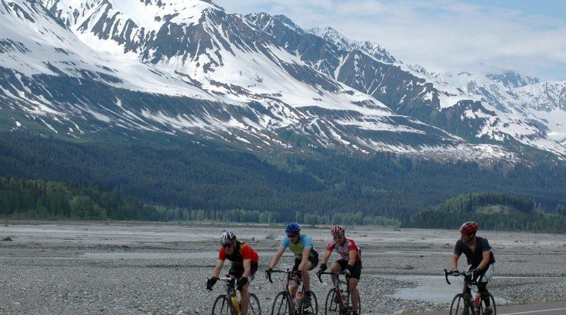la-neige-force-lannulation-dune-course-cycliste-au-yukon