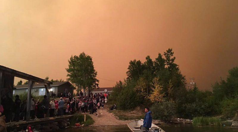 feux-de-foret-au-manitoba-3700-personnes-evacuees-dans-le-nord-de-la-province