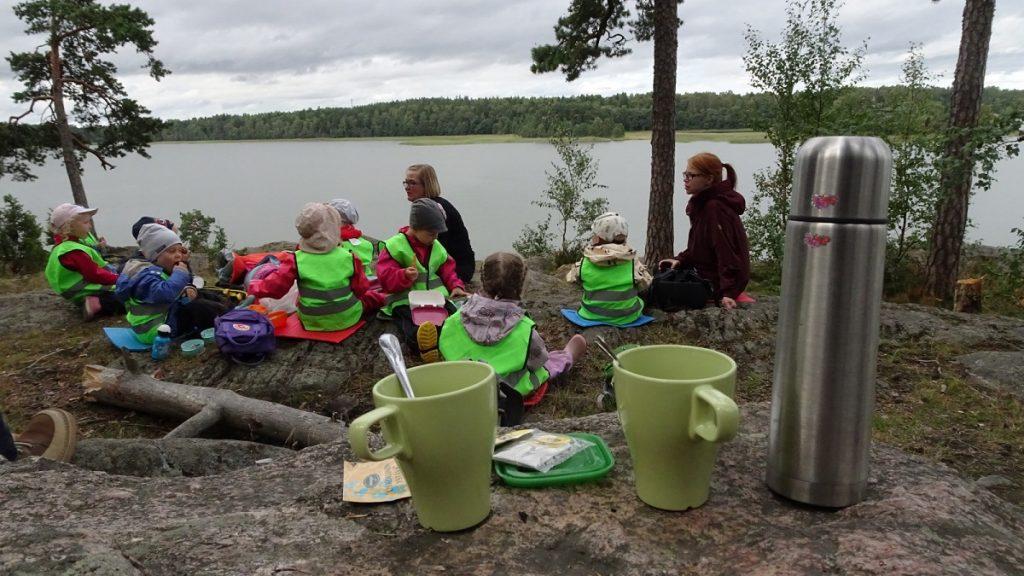 faire-la-classe-dans-la-foret-finlandaise-2