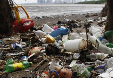 Le Canada veut s'attaquer à la pêche illégale et à la pollution par le plastique