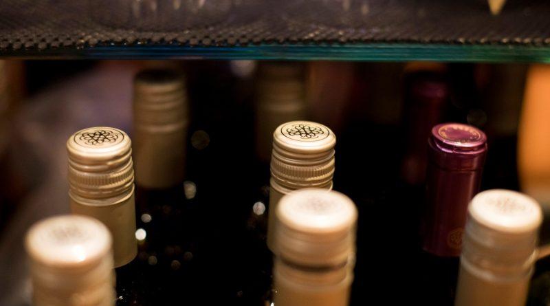 Un territoire du Nord canadien souhaite mieux encadrer la vente de boissons alcoolisées et le vapotage