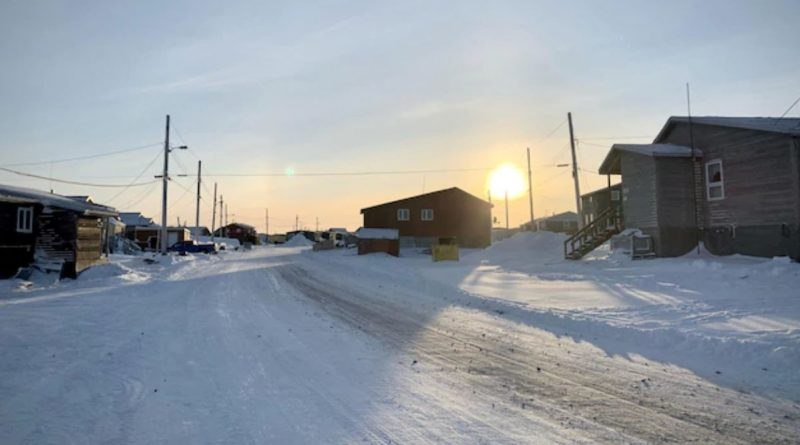 COVID-19 : Arviat dans le Grand Nord canadien déclare l'état d'urgence et met en place un couvre-feu