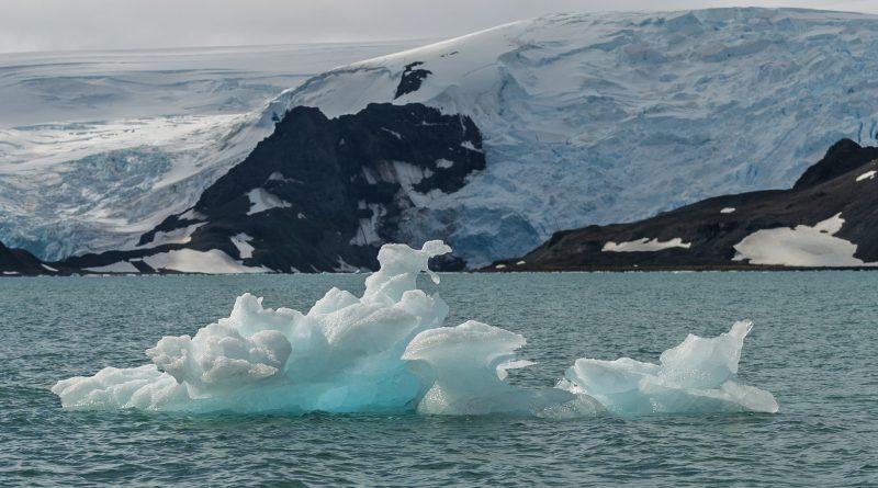 La fonte dans l'Antarctique pourrait faire monter le niveau des mers plus haut qu'on ne le pensait