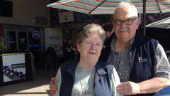 تيريزا شاربونو وزوجها إيف شاربونو يساعدان القادمين الجدد في التأقلم مع خصوصيّات اللّغة الانكليزيّة المحكيّة في كندا/Thérèse Charbonneau