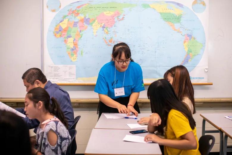 温哥华新移民新学期介绍会,56个国家600多人参与