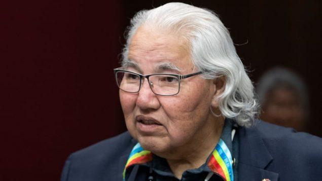 加拿大著名土著参议员Sinclair宣布退休