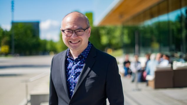 BC省华裔老年医学专家黄耀明获得加拿大勋章